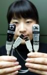 선양디엔티는 휴대용 저장장치인 USB 메모리에 VoIP 카메라(웹 카메라) 기능을 부가시킨 컨버전스 제품 볼복스(Volvox)를 출시했다.