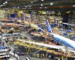 보잉社의 모든 생산 라인이 787 드림라이너(Dreamliner) 제작을 위해 완전히 가동되고 있다. 사진에서 가장 오른쪽에 위치한 항공기는 최종 구조 및 시스템 설치가 완료 된 상태이며, 중간에 위치한 항공기는 지상시험에 사용될 787기로 랜딩기어, 엔진 및 필요한 인테리어 설비가 탑재 될 예정이다.