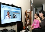 LG데이콤(대표 박종응  www.lgdacom.net)은 건강보험심사평가원(원장 송재성 www.hira.or.kr)과 IPTV 'myLGtv'를 통해 방송통신융합 공공서비스 보건의료 시범사업인 원격 건강관리 서비스 'TV닥터' 시범 서비스를 국내 최초로 시작한다고 밝혔다.  'TV닥터' 는 기존 U헬스 서비스의 경우 컴퓨터를 기반으로 제공돼 컴퓨터에 접속해야하는 불편함과 화질도 떨어지지만 TV닥터는 TV전원만 켜면 이용이 가능해 편리하고 고화