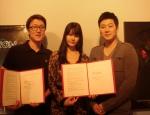 정 박(Jung Park), 오디세이픽처스(Aurora Lee대표), 스티브 정(Steve Jung)과 상호협력을 위한 양해각서 (MOU)를 체결한 후 기념촬영을 하고 있다.