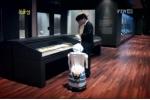 도슨트로봇 '키로온벗'의 박물관 전시작품 설명 중 (사진제공: 로봇연구원)