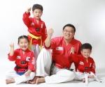 태글리쉬 김성훈 대표와 아이들