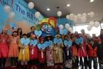 플랜코리아와 롯데백화점이 함께 28일 오전 서울 소동동 롯데백화점 본점에서 신개념 기부캠페인 'THE 쉬운 나눔 캠페인'을 열고 있다 .