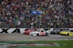 삼성전자가 6년 연속 공식 후원하는  '나스카'의 텍사스 경주 '삼성 모바일 500'이 현지 시간 14일 미국 텍사스 모터 스피드웨이(Texas Motor Speedway)에서 열렸다 (사진제공: 삼성전자)