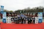 현대자동차(회장 정몽구)는 19일(목) 대형트럭 '트라고'의 우수한 연료비 절감효과를 널리 알리기 위해 『2012 트라고 연비마스터 선발대회』를 개최했다고 20일(수) 밝혔다. 사진은 대회 입상자들이 대형트럭 『트라고』를 배경으로 우승 기념 촬영을 하고 있는 모습.