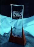 """델파이 오토모티브 가 지난 23일 미국 디트로이트에서 열린  """"2012 PACE 어워드즈 """" 시상식에서 두 개의 PACE 어워드를 수상했다."""
