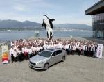 기아차는 14일~17일(현지시간) 캐나다 벤쿠버에 위치한 '페어몬트 퍼시픽 림 (Fairmont Pacific Rim)'호텔에서 '2012 전세계 대리점 대회'를 개최하고 전세계 대리점 사장단에게 기아차의 중장기 판매 전략을 설명하고 사장단과의 화합의 장을 마련하는 자리를 가졌다.