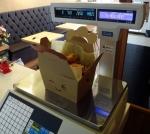 치킨이 먹고 싶을 때, 소비자가 원하는 양 만큼 마음대로 구입할 수 있는 새로운 스타일의 치킨 브랜드 '무게로 치킨'