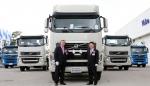(왼쪽부터) 볼보트럭 아시아지역 본사(Volvo Group – Asia Truck Operations) 이안 싱클레어 (Ian Sinclair) 제품 총괄이사 (Product Management Director), 볼보트럭코리아 김영재 사장(Volvo Trucks Korea CEO, Kim Young-Jae)>