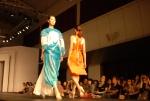 ㅍ건국대 예술문화대학 의상디자인전공 학생들이 지난 6일 중국 광저우에서 열린 '2012 중국 광저우 대학생 패션위크'에 특별 초청돼 졸업 작품 패션쇼를 선보이고 있다. (사진제공: 건국대학교)