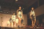 건국대 예술문화대학 의상디자인전공 학생들이 지난 6일 중국 광저우에서 열린 '2012 중국 광저우 대학생 패션위크'에 특별 초청돼 졸업 작품 패션쇼를 선보이고 있다. (사진제공: 건국대학교)