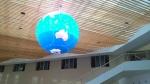 Impression G2507, 2.5미터 직경의 지구본스크린으로 주론 건물로비 천정에 설치한다. (사진제공: 디스플레이허브)
