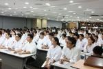 레이먼킴의 특강을 경청하고 있는 한국외식조리전문학교 재학생들. (사진제공: 한국외식조리전문학교)