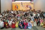 여성가족부와 한국청소년단체협의회가 개최한 2012 아시아 청소년 초청연수 개회식이 아시아23개국 200여명의 대학생, 청소년들의 참여한 가운데 7일 국제청소년센터에서 성황리에 열렸다. 개회식 기념촬영에서 참가 청소년들이 손을 흔들며 기뻐하고 있다. (사진제공: 한국청소년단체협의회)