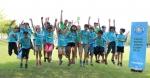 볼보 슈퍼 주니어 캠프 참가자들과 원어민 교사들이 체육활동 수업 후 즐거운 시간을 보내고 있다. (사진제공: 볼보건설기계코리아)