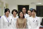 작년에 현지에서 초청받은 의료진이 양산부산대학교병원에서 연수를 받던 중 한국 의료진들 함께 기념촬영