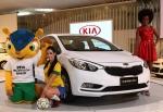 기아자동차㈜가 '2012 상파울루 국제모터쇼'에서 브라질에 처음 공개한 K3(수출명 : 쎄라토)를 배경으로, 2014년 브라질 월드컵 마스코트인 타투볼라(tatu-bola)와 함께 모델들이 포즈를 취하고 있는 모습