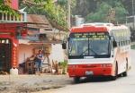 라오스 북부 보께오주 훼이싸이와 중국을 오가는 노선버스가 하루에도 2~3차례 운행하고 있다. 사진을 보께오주 훼이싸이로 최근 중국인들로 인산인해를 이루고 있다.