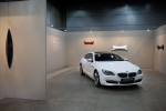 BMW 코리아는 서울오픈아트페어(SOAF)에 BMW 6시리즈 그란쿠페에서 영감을 얻은 아트 콜라보레이션을 선보였다