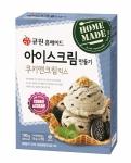 삼양사가 집에서 간편하게 아이스크림을 만들어 먹을 수 있는 제품인 큐원 홈메이드 아이스크림만들기 쿠키앤크림믹스를 출시했다.