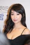 렛미인 시즌 1의 대표미녀 박소현이 아이유 닮은 모습으로 화제가 되고있다.