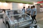 나노코리아2012, 개최 10주년 특별기념관 나노마을(Nano-Vill) 현장을 관람객들이 둘러보고 있다.