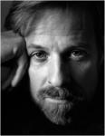 총 10부작 대형 방송다큐멘터리 대한민국,  매그넘의 작품이 되다에 출연 확정된 매그넘포토스의 알렉스 웹. 1952년 생. 그는 하버드에서 역사와 문학을 전공한 인문학자 출신으로 카펜터 미술센터에서 사진을 공부했다. 세상을 읽는 탁월한 시선을 가진 그는  매그넘 포토스의 핵심 멤버 중의 하나로 평가받고 있다.