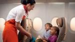 아랍에미리트연합(UAE)의 국영 항공사인 에티하드항공이 장거리 노선에 기내 베이비시터, 플라잉 내니 서비스를 도입했다.
