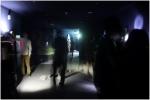 김준_투영_혼합재료(영상, 스피커, 오실레이터, 앰프, 빔프로젝터)_시민청 소리갤러리_2013 : 손전등이나 휴대폰에서 나오는 빛들로부터 소리로 변주되는 벽면의 오브제