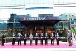 하나투어가 티마크호텔명동을 오픈했다. 이날 오픈행사에는 하나투어 박상환 회장, 권희석 부회장과 최창식 서울 중구청장, 남상만 한국관광협회중앙회 회장 등 120여명이 참석했다.