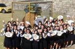 페레로로쉐는 23일 오전 수능 D-15 맞이 수능골든벨을 울려라 캠페인의 일환으로 자이언트 페레로로쉐 골든벨 무빙카 이벤트를 진행했다. 첫 번째 선정 학교인 서울 정동 이화여고 노천극장에서 페레로로쉐의 셰프들과 40명의 학생들이 모인 가운데 2014년도 수험생들의 수능 대박을 기원하는 응원전을 펼치고 있다.