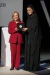 최초의 교육상이자, 교육 분야에 세계적인 기여를 한 개인에게 수여하는 2013 와이즈 교육상 수상자로 콜롬비아의 비키 콜버트가 선정됐다.