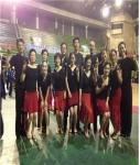 서대문체육회관 댄스스포츠 회원들이 기념 촬영을 하고 있다.