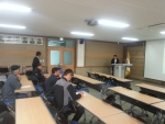 (주)비앤파트너스 김석 대표가  양양군 강소농 정밀 경영 컨설팅을 진행하고 있다.