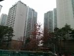 잠실청운부동산에 파크리오 아파트 148㎡(45평형) 월세 매물이 의뢰되었다. 보증금액은 4억 5천만원이며 임대료는 월 150만원이다.