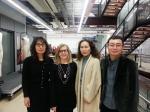 왼쪽부터 설인숙 한국문화재단 이사장, 드렉셀대학교 패션 학부장 Roberta H. Grube, 김혜순 한복 명장, 이원광 한국문화재단 디렉터가 기념 사진을 찍고 있다