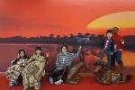 해운대문화회관 서아프리카예술전에 온 관람객들이 제2전시실에 마련된 포토존에서 관람을 마친 후 기념사진을 찍고 있다.