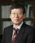 한국전기연구원 김호용 원장이 전기계 국내 대표 단체인 (사)대한전기학회 신임회장으로서 2014년 한 해 동안 전기학회를 이끌어가게 됐다.