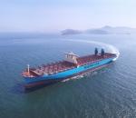 가장 많은 세개의 잡지에서 올해 최우수 선박으로 선정된 덴마크 A.P.Moller-Maersk 社의 18,270 TEU 컨테이너선인 머스크 맥키니 몰러(Maersk Mc-Kinney Moller)호의 모습.