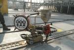 대우조선해양이 세계 최초로 개발한 위빙 SAW 용접장치의 시험용접 모습