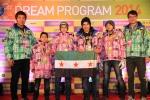 신성통상은 탑텐 브랜드를 통해 강릉시 빙상경기장에서 열리는 2014 드림프로그램 행사를 후원한다.