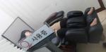 워킹맘 남미경씨가 나른한 오후, 회사 내에 설치된 안마의자에서 휴식을 취하고 있다.