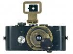 오스카 바르낙이 1914년에 최초의 35mm 카메라 Ur-Leica(우르라이카)를 발명했다.