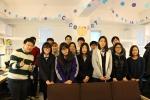 코코아스튜디오 임직원과 양정여고 IT Girls 동아리 학생들이 사진을 찍고 있다.