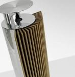 뱅앤올룹슨(Bang & Olufsen)이 기존 무선스피커의 단점을 혁신적으로 개선한 프리미엄 무선스피커 3종, 베오랩 17, 18, 19을 한국시장에 공식 출시했다.