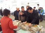 김재홍 포항시 부시장이 구룡포 수산물 한마당 잔치를 방문했다.