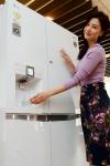 LG전자가 정수기와 냉장고를 결합한 신개념 정수기냉장고 라인업을 확대한다.