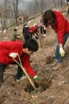 환경실천연합회가 함께하는 희망 환경사랑 행복나무 심기 활동을 활발히 진행하고 있다.