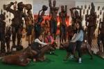 창녕군이 주최하고 중앙문화예술프로그램센터가 주관하는 서아프리카 예술 헬로우!아프리카~展이 창녕문화예술회관 전시실에서 전국 최대규모로 개최돼 관람객들에게 인기를 독차지하고 있다.