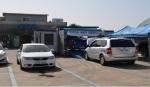 제주스타렌트카 내부에서 교통안전공단의 찾아가는 자동차 이동검사소를 운영하고 있는 모습이다.